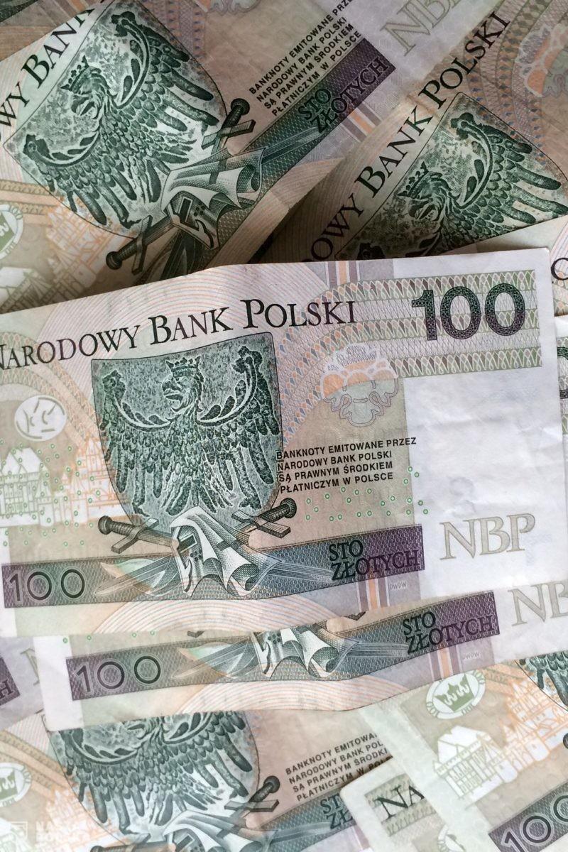 Zużyte banknoty można wymienić pocztą lub przez kuriera