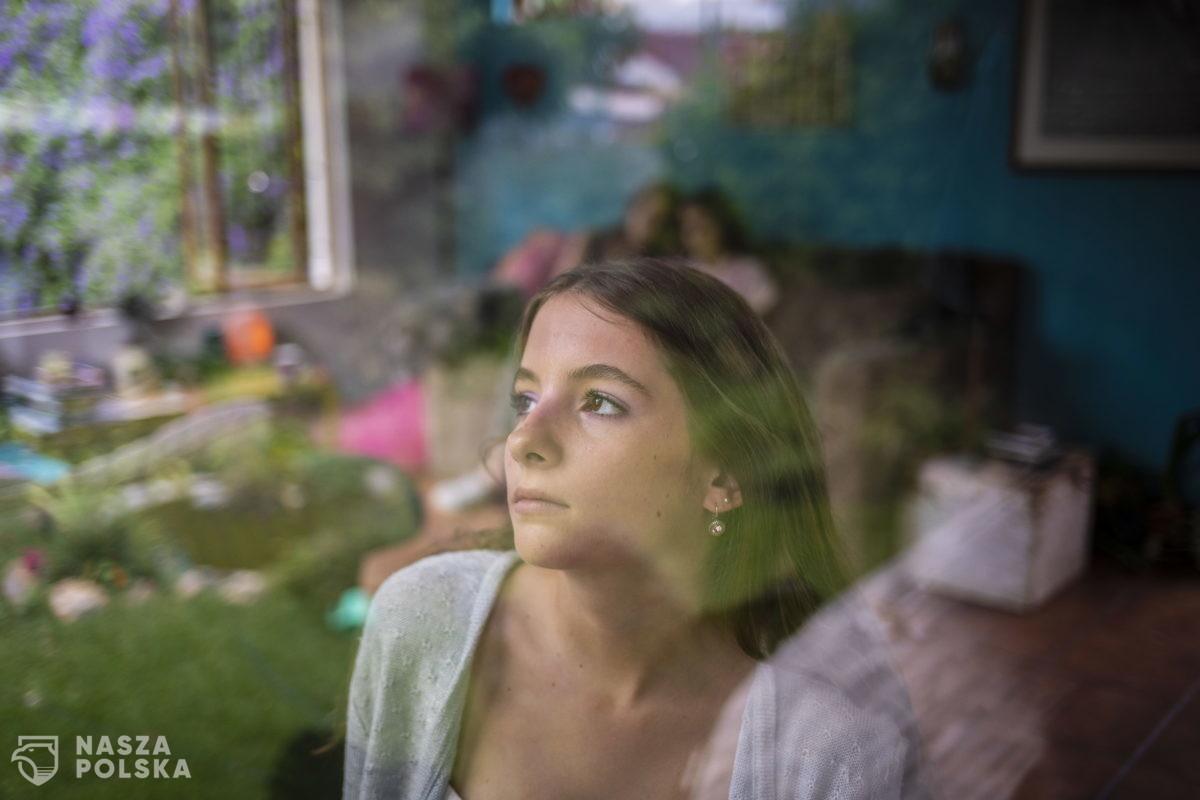 Psycholog: mimo rozwoju epidemii Polacy wykazują nierealistyczny optymizm