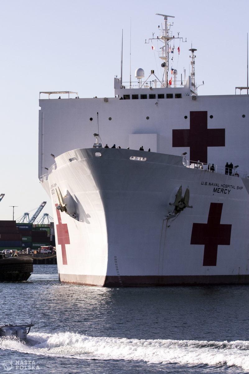 Okręty szpitalne na pomoc przeciążonym szpitalom
