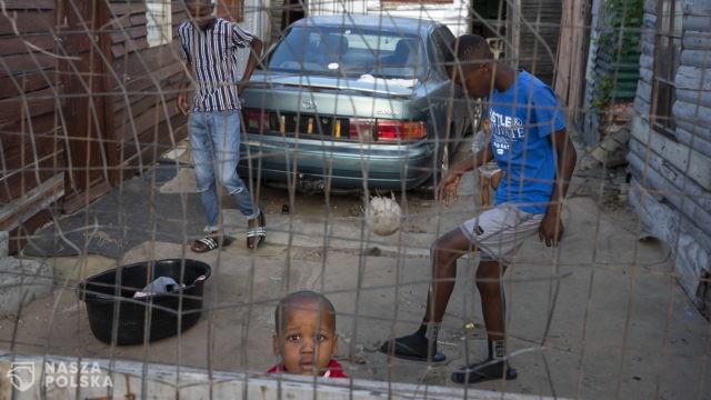 Życie w zamknięciu – RPA