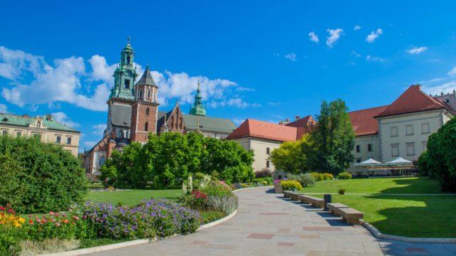 https://naszapolska.pl/wp-content/uploads/2020/03/krakow-1669195_1920-640x360.jpg