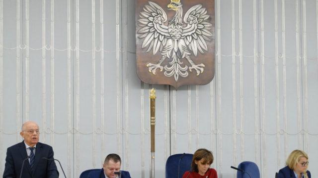 https://naszapolska.pl/wp-content/uploads/2020/03/senat2-640x360.jpg