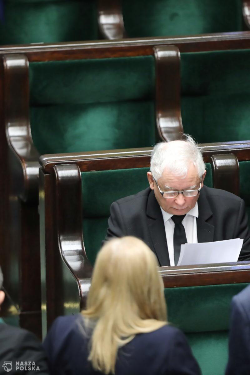 PILNE! Prezes Kaczyński przegrał głosowanie
