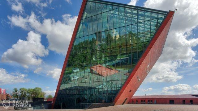 https://naszapolska.pl/wp-content/uploads/2020/04/2750px-Muzeum_II_Wojny_Światowej_w_Gdańsku-640x360.jpg
