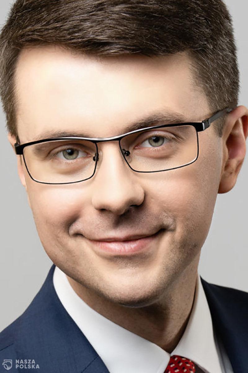 Müller: decyzja ws. obostrzeń w najbliższych dniach