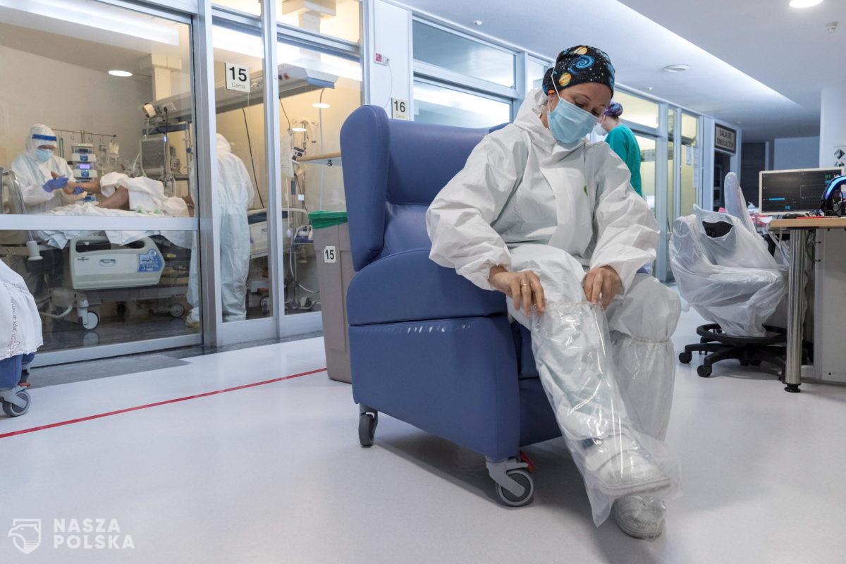 Hiszpania/ Lekarz negujący pandemię zawieszony w prawie do wykonywania zawodu
