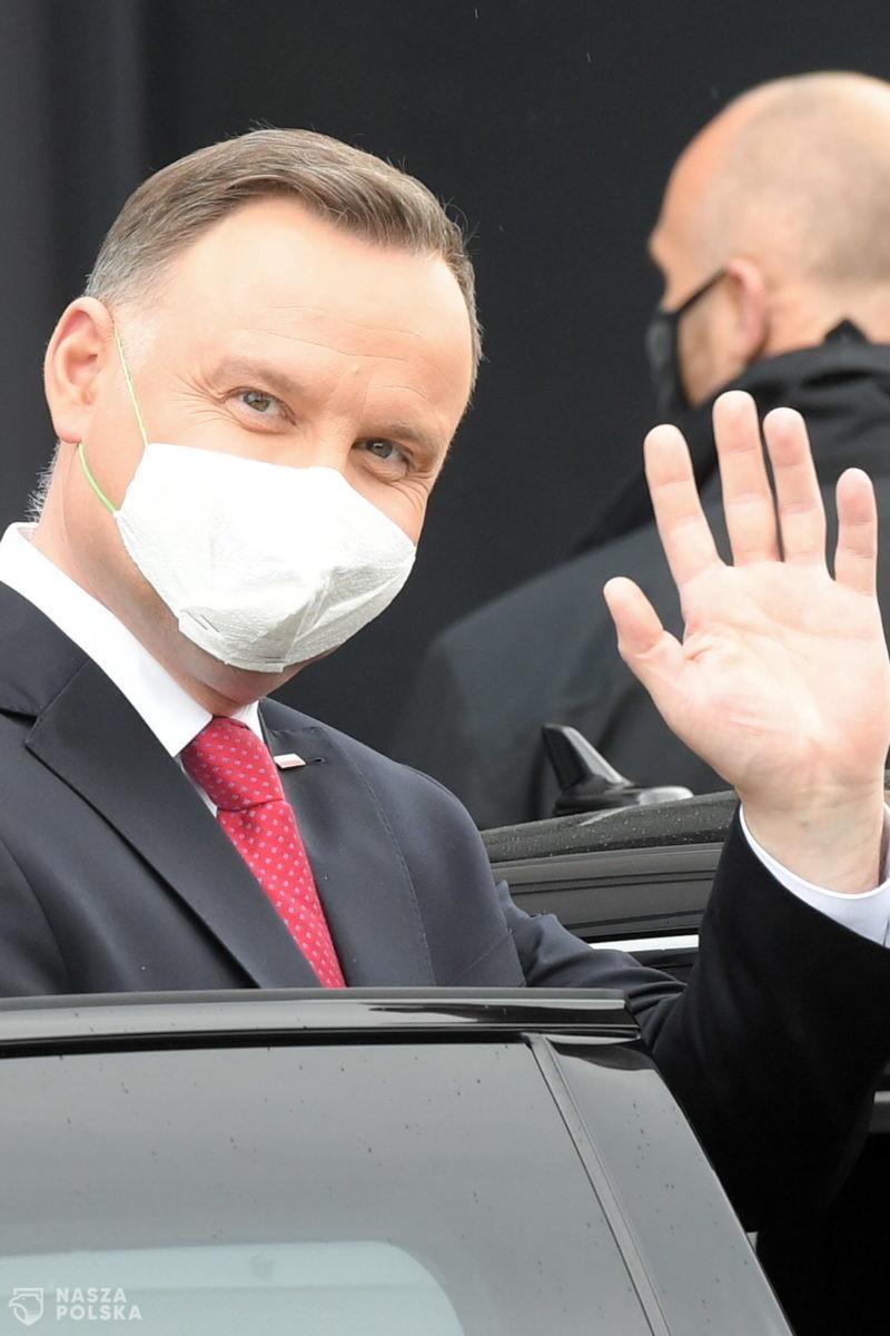 Większość Polaków negatywnie ocenia pracę rządu i prezydenta