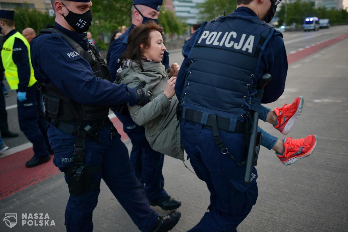 Policjanci nie chcą już być milicjantami! Chcą być apolityczni