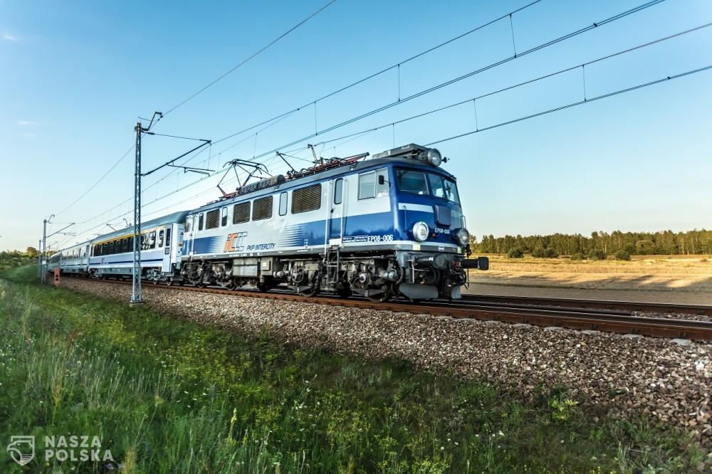 Na torach coraz więcej składów PKP Intercity – już blisko 100 pociągów wróciło do kursowania od 3 maja. Zobacz jakie