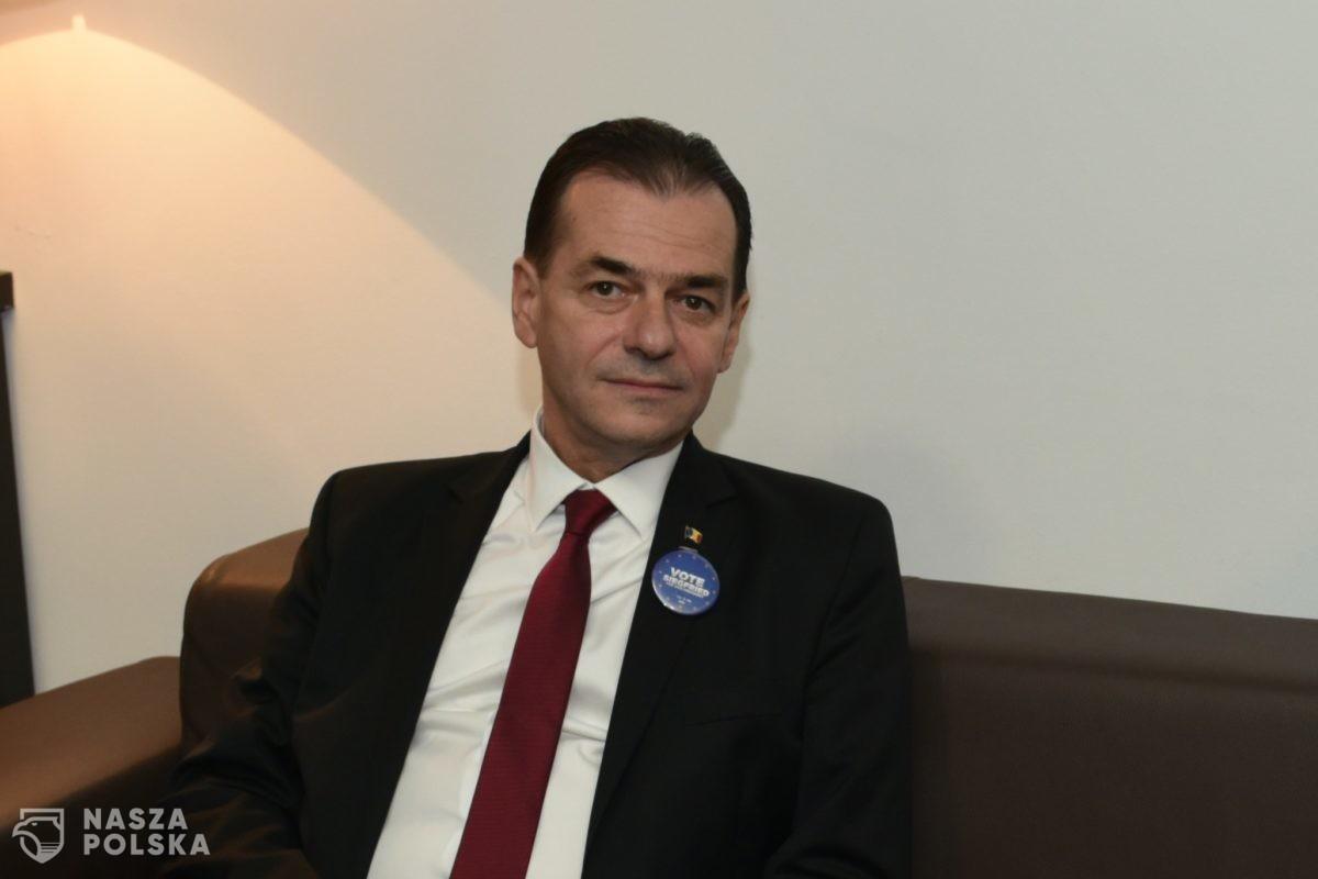 Premier Rumunii zapłacił karę za złamanie restrykcji. Czy w Polsce byłoby to możliwe?