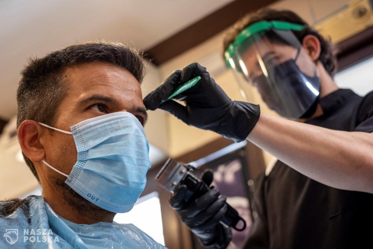 Branża beauty: salony fryzjerskie i kosmetologiczne przygotowane do obsługi w pandemii