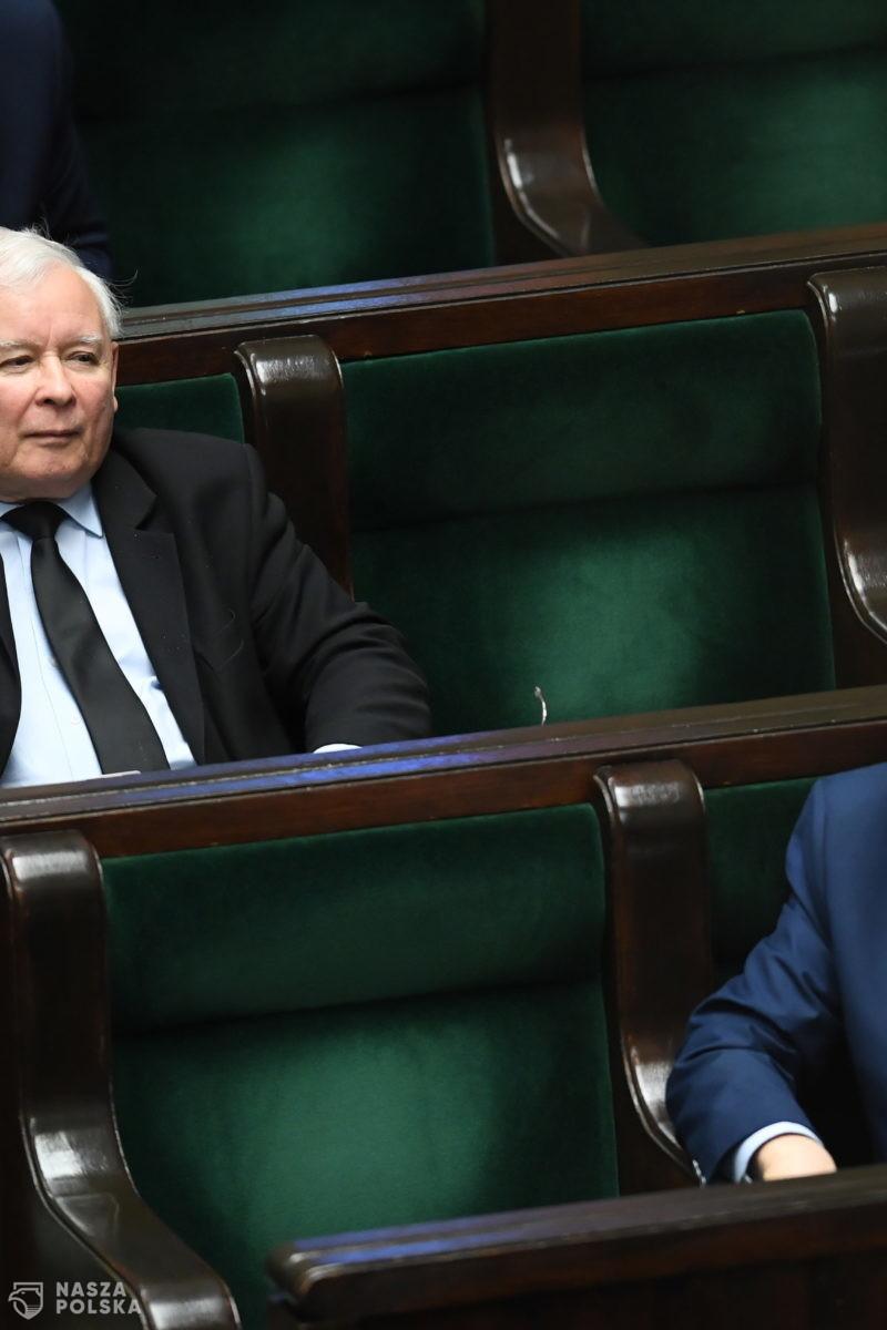 Ilu członków ma partia, która od 2015 roku niepodzielnie rządzi Polską?