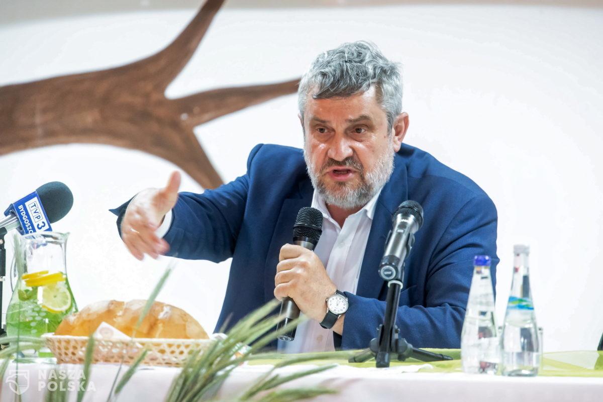 """Ardanowski: chce zostać w PiS, ale """"piątka dla zwierząt"""" musi być wycofana"""