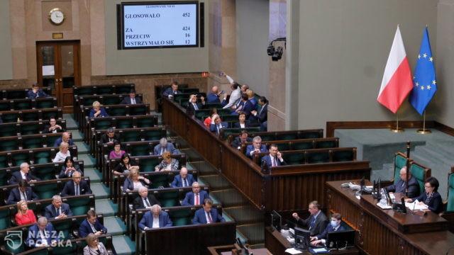 Sejm uchwalił prezydencką ustawę o bonie turystycznym