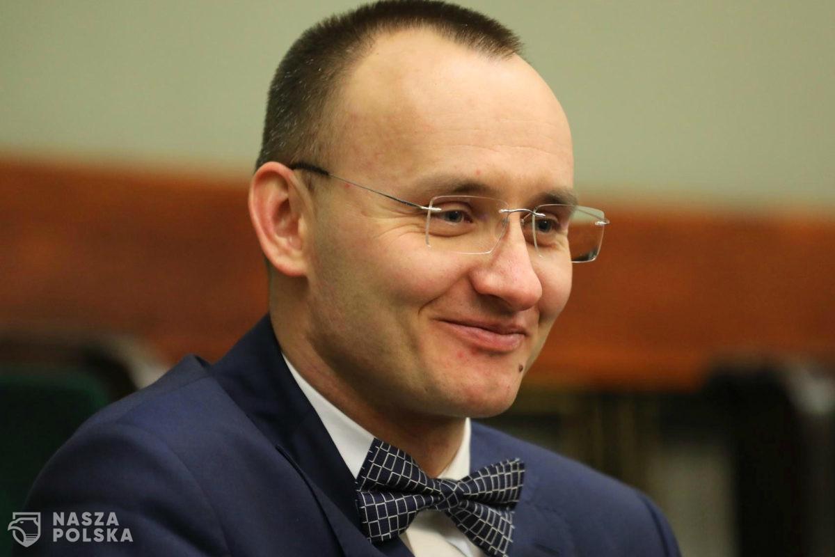 Rzecznik praw dziecka wszczyna postępowanie dyscyplinarne w sprawie nieudostępniania akt