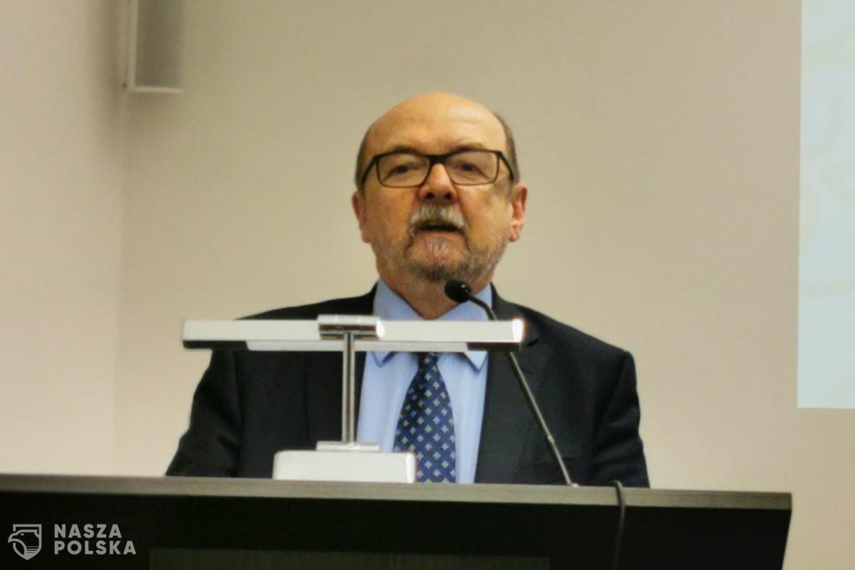 Prof. Legutko: tak się nie reaguje na wystąpienia szefa rządu poważnego kraju