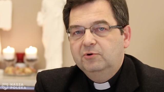 Ks. dr Walendzik: w centrum uroczystości Bożego Ciała jest Jezus eucharystyczny