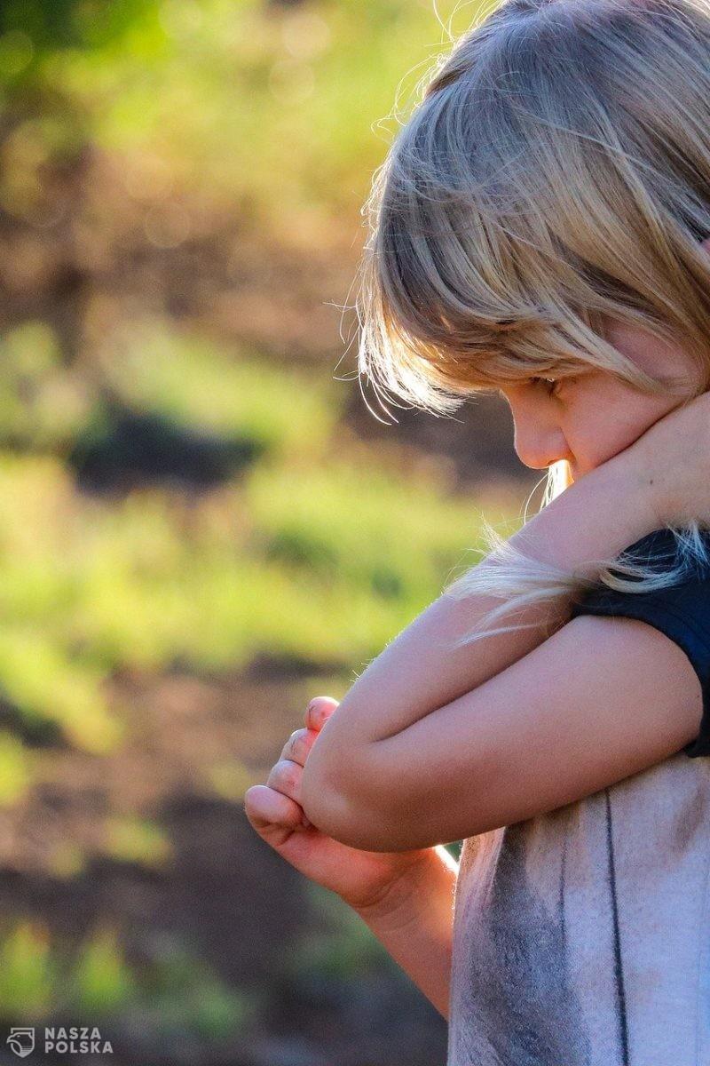 Dzieci potrzebują wsparcia podczas pandemii. Bajkoterapia może im pomóc