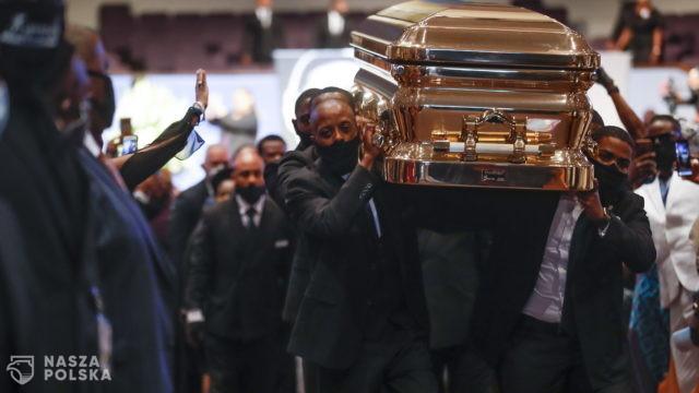 USA/ Sprawa Floyda: były policjant oskarżony także o morderstwo trzeciego stopnia
