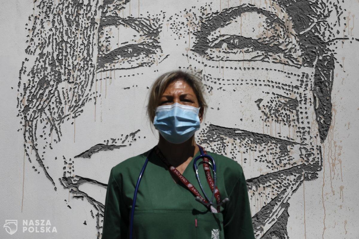 Ekspert: jednorazowe maski i rękawice – tak, ale najlepiej tylko w szpitalach