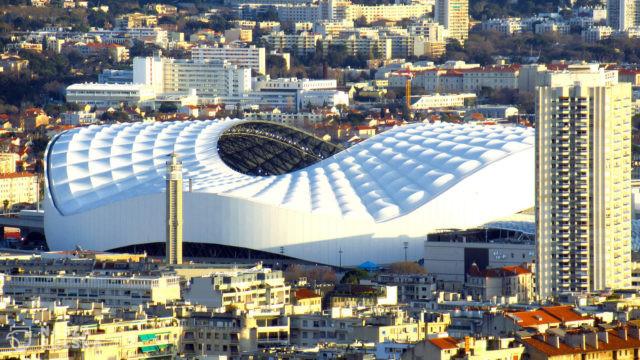 Francja otwiera stadiony dla kibiców