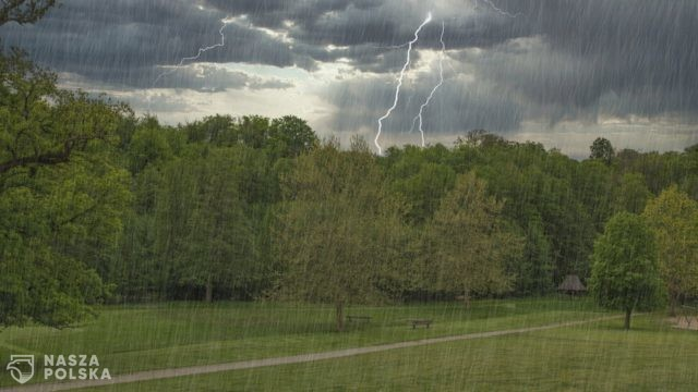 Możliwe burze z gradem w dziewięciu województwach Polski [POGODA]