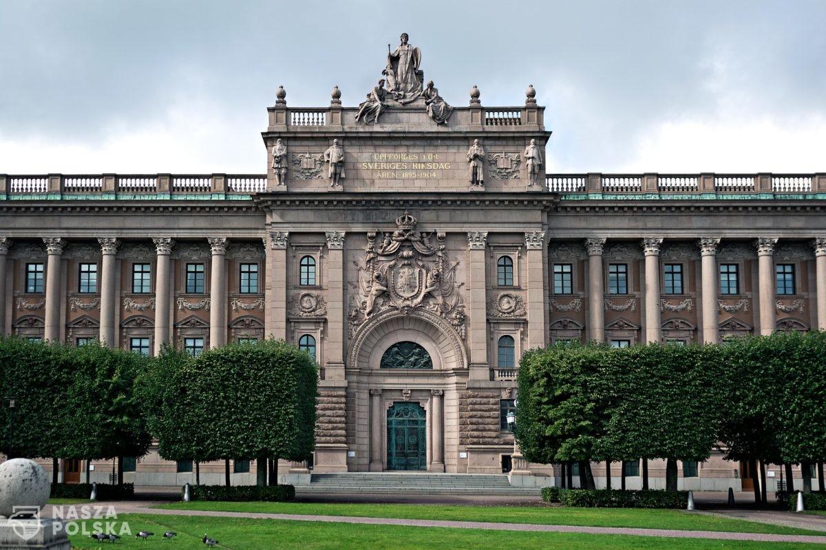 Szwecja/ Rząd łagodzi restrykcje, seniorom już nie zaleca się samoizolacji
