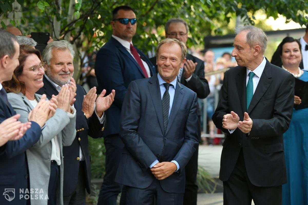 Co trzeci Polak z nadziejami czeka na powrót Donalda Tuska