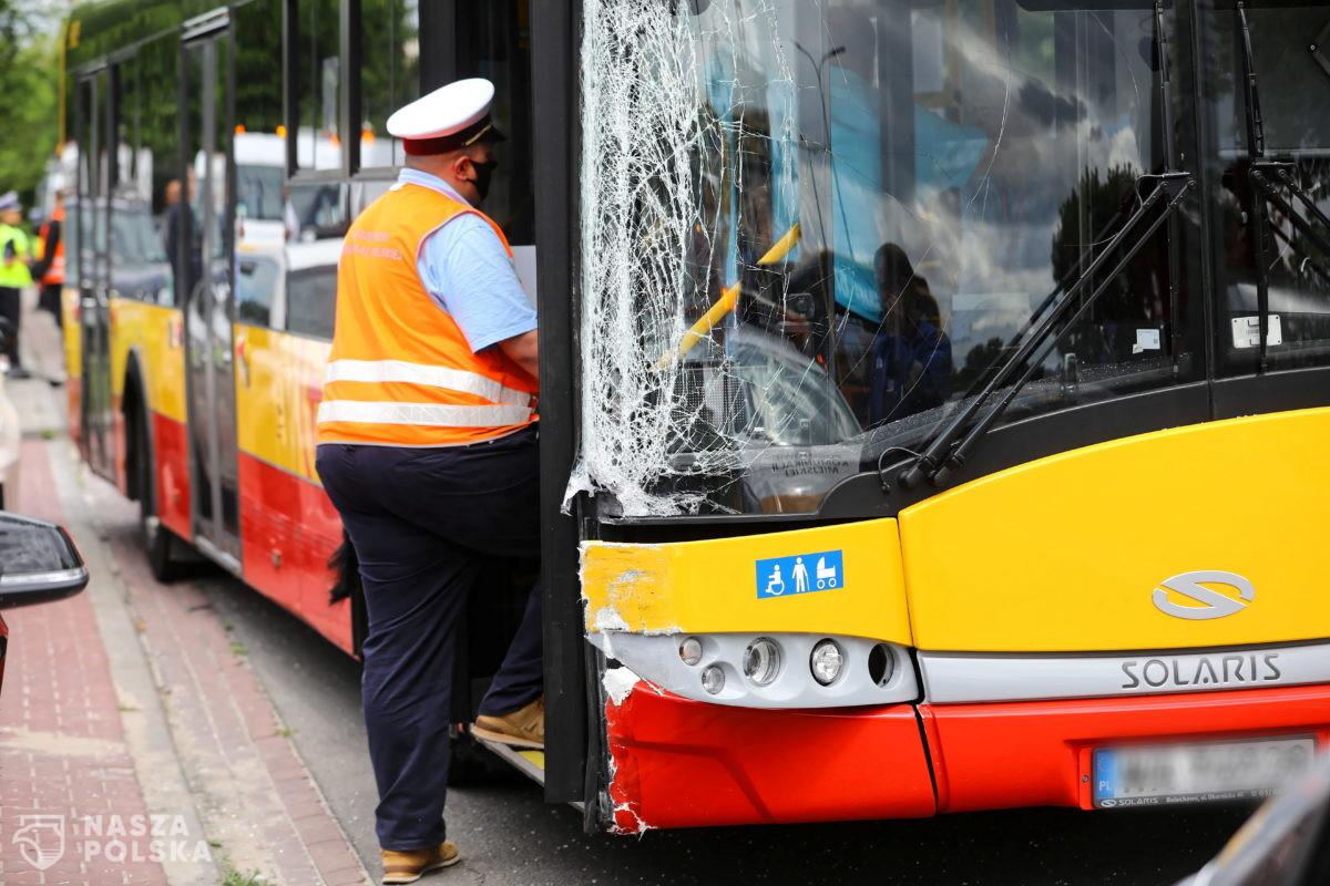 Naćpani kierowcy. Środa bez autobusów Arrivy na warszawskich ulicach
