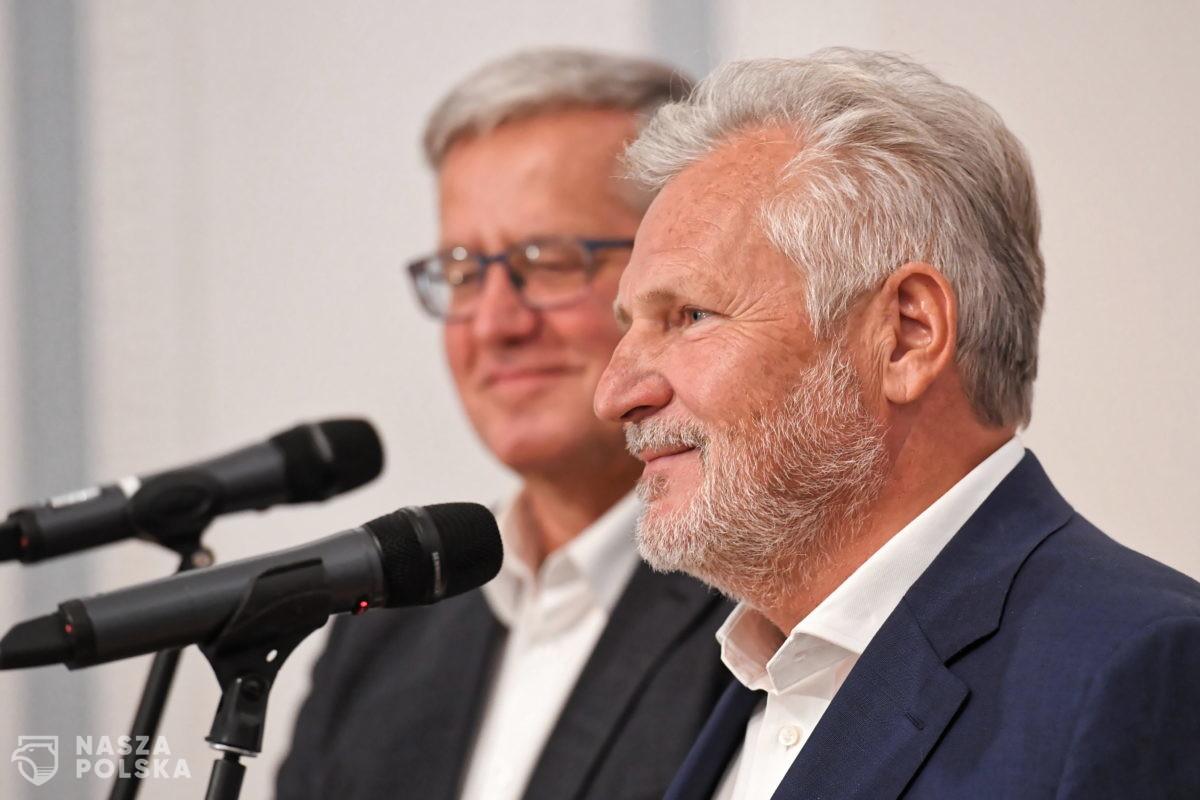 Bronisław Komorowski i Aleksander Kwaśniewski poparli kandydaturę Trzaskowskiego