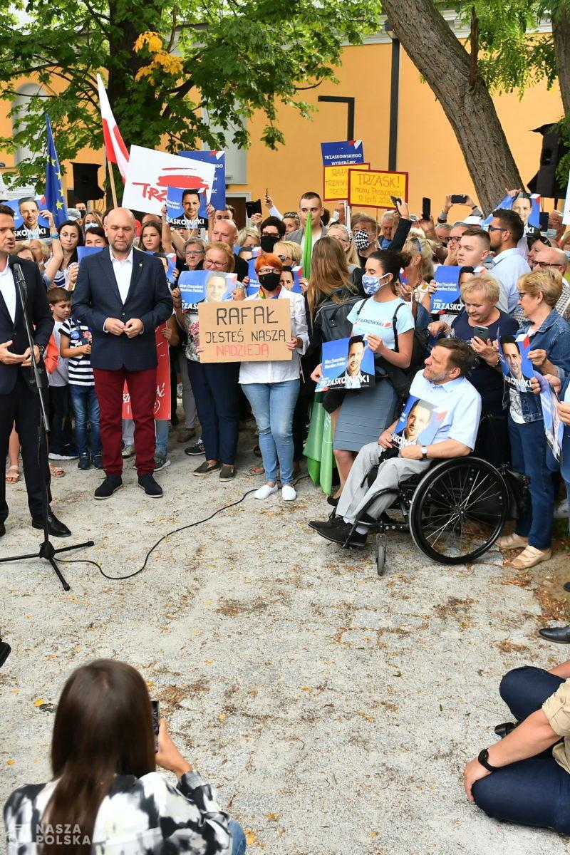 """Rafał Trzaskowski chce Polski """"uśmiechniętej, europejskiej, tolerancyjnej"""""""