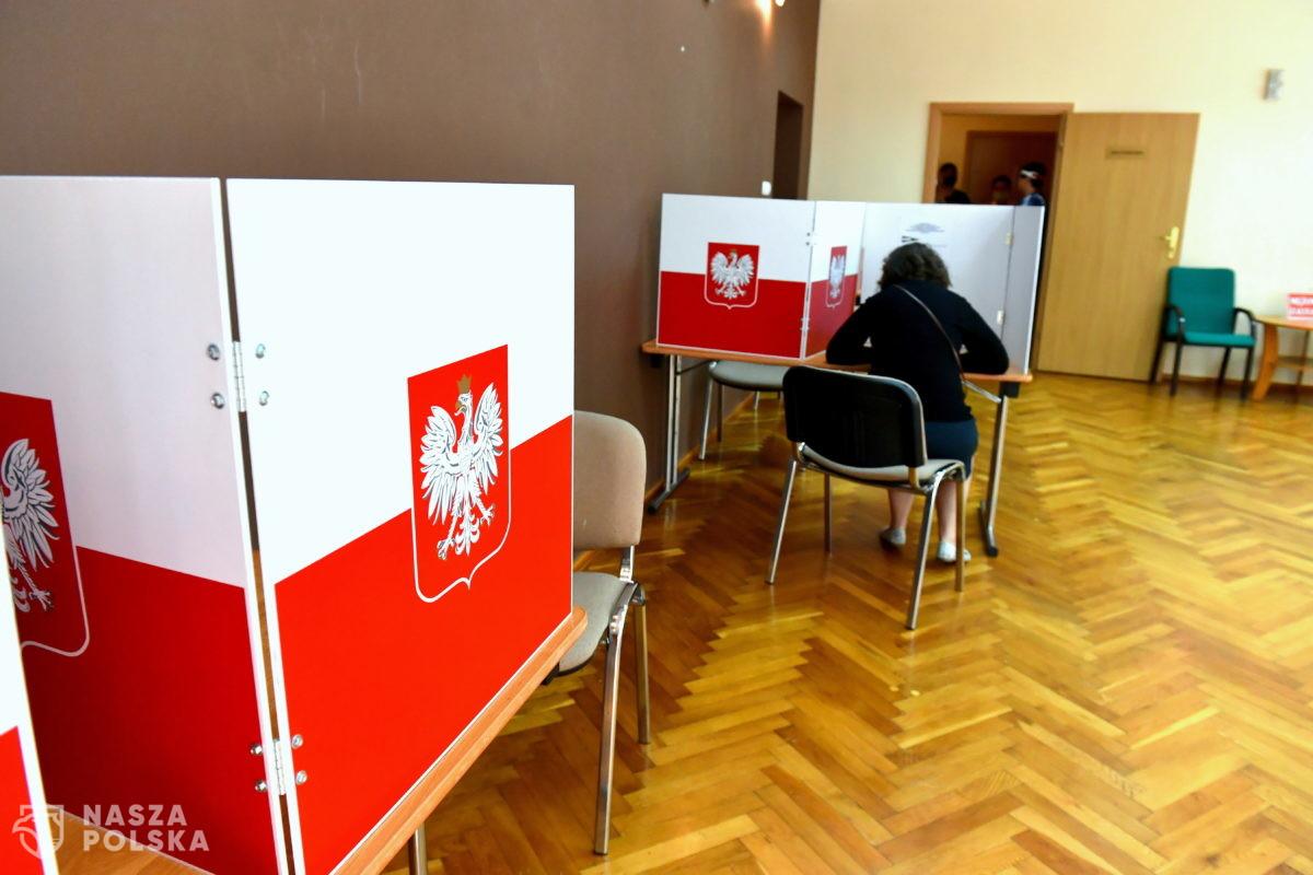 Do godziny 14 policjanci zanotowali 382 incydenty związane z wyborami