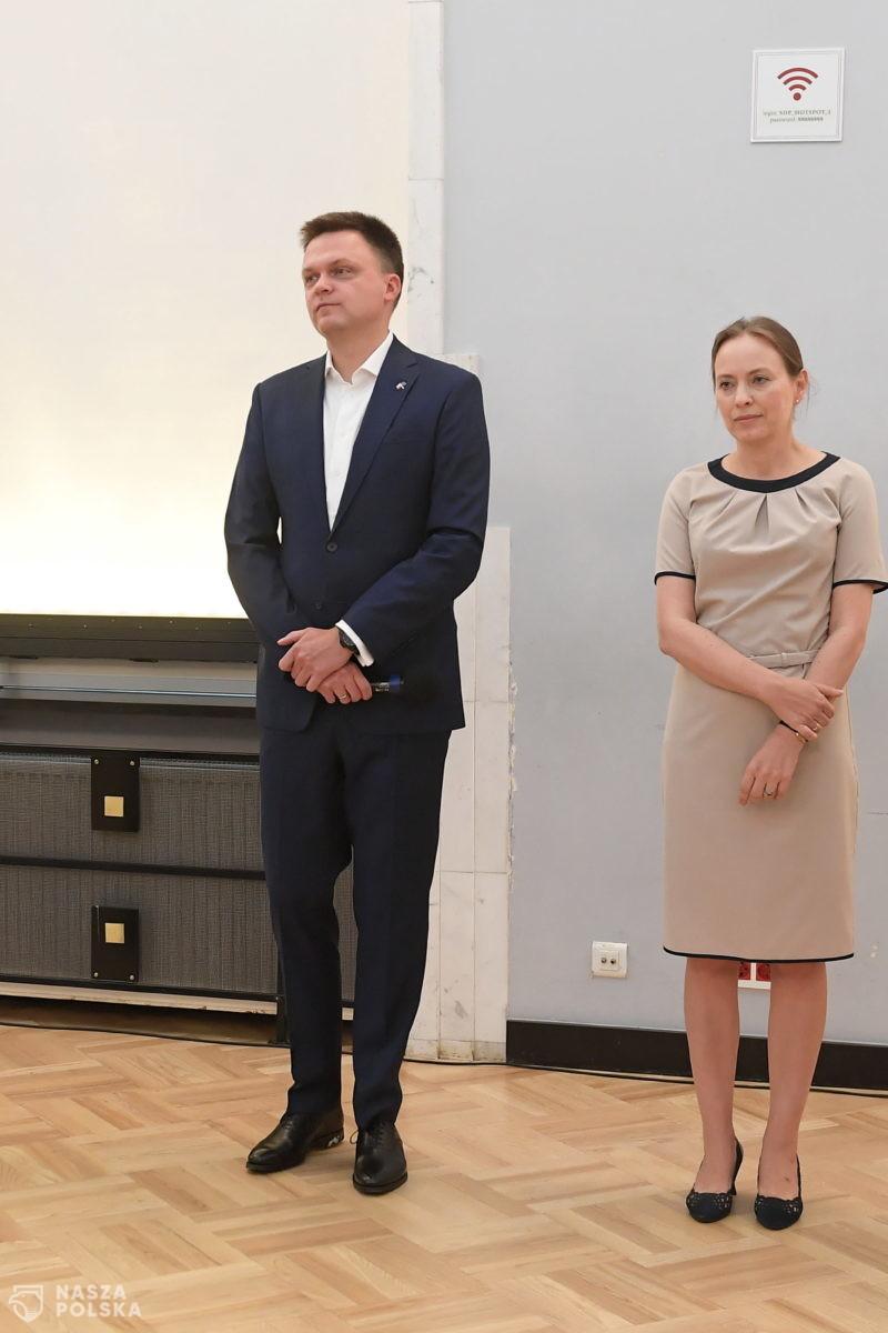 """Polityczne """"kłusownictwo"""" Hołowni, czyli przejmowanie posłów"""