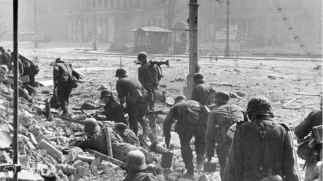 Powstanie Warszawskie było największą, poza Holokaustem, niemiecką zbrodnią wojenną