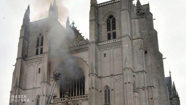 W tym roku we Francji spłonęło już 9 katolickich świątyń; w 2019 r. aż 16