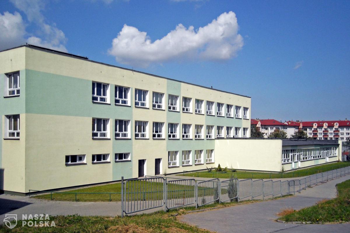 Kraków/ Badanie: niemal 50 proc. nauczycieli bezwiednie przeszło COVID-19