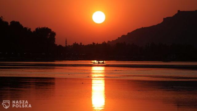 Zachód słońca – Kaszmir, Indie