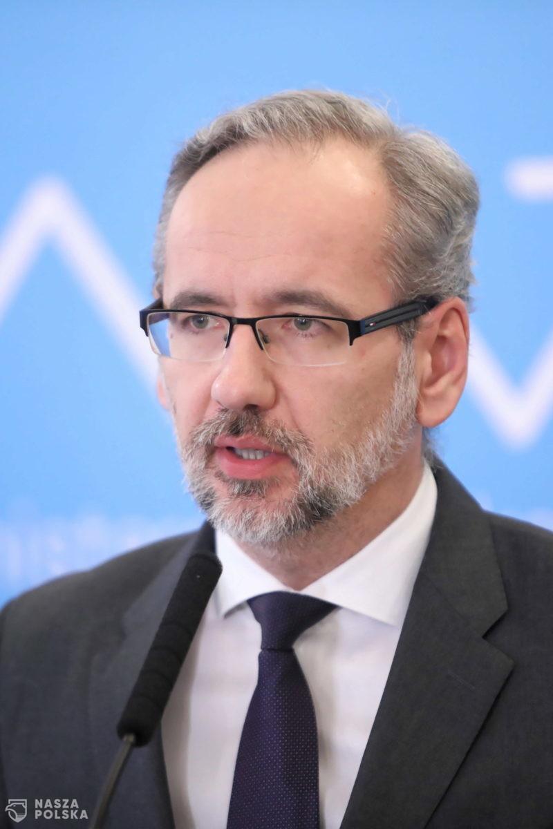 Minister zdrowia: jeżeli ferii nie spędzimy w domu, to narażamy się na ryzyko trzeciej fali koronawirusa