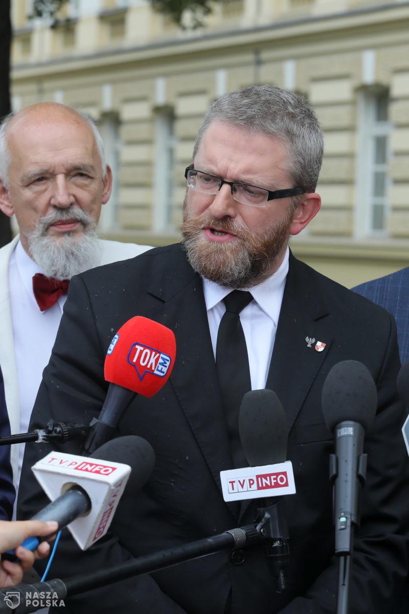 Konfederacja trzecią siłą polityczną. Koalicjanci PiS mocno pod progiem