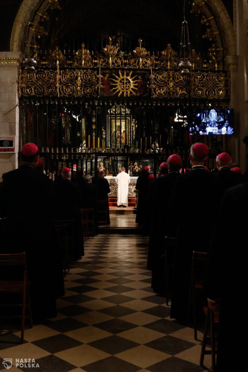 Episkopat: Wzywamy do dialogu społecznego i poszanowania godności każdego człowieka