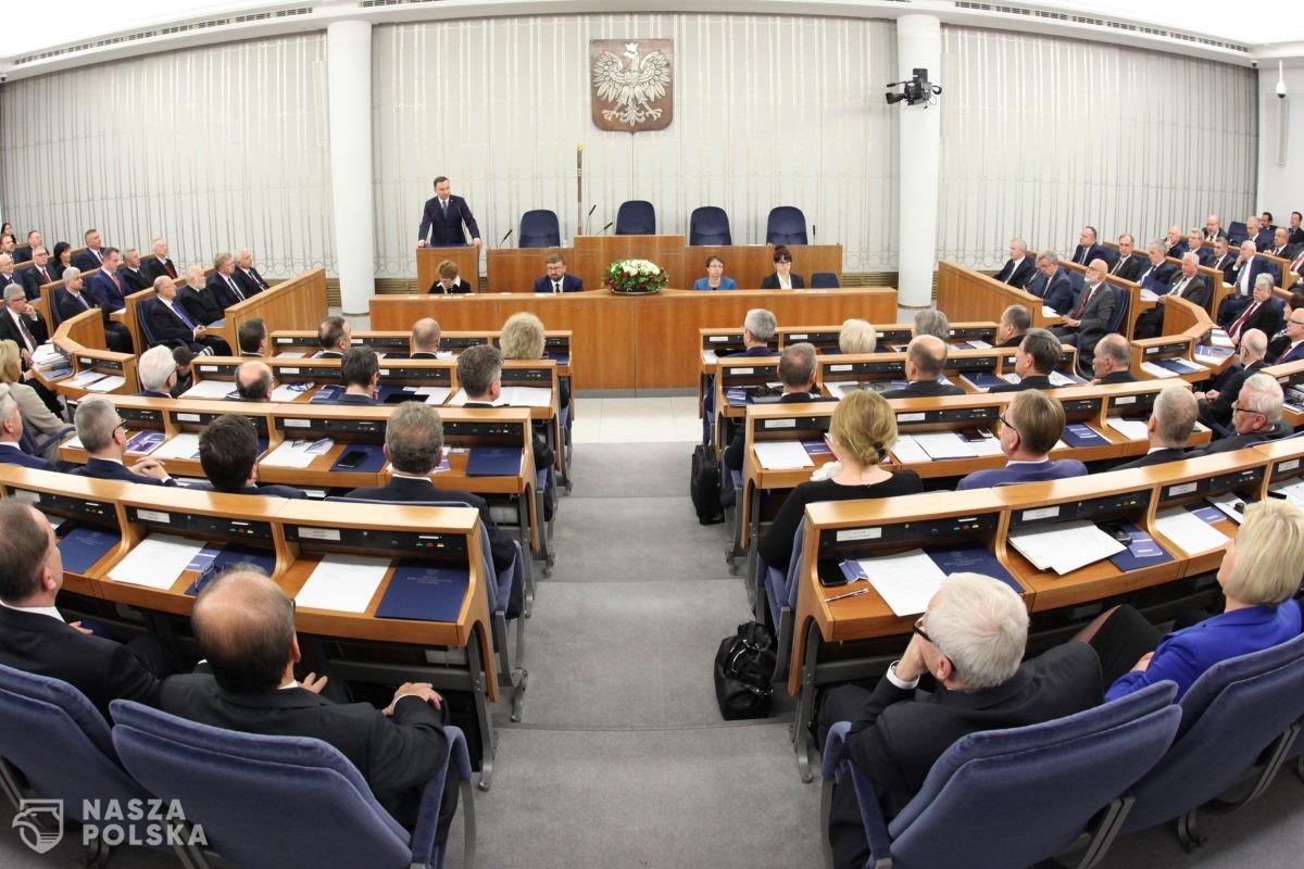 Porażka większości senackiej. Uchwała krytykująca Trybunał Konstytucyjny odrzucona w Senacie