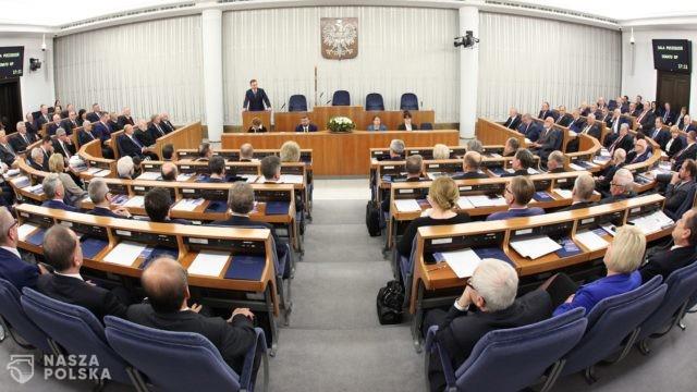 https://naszapolska.pl/wp-content/uploads/2020/08/I_posiedzenie_Senatu_IX_kadencji_01-640x360.jpeg