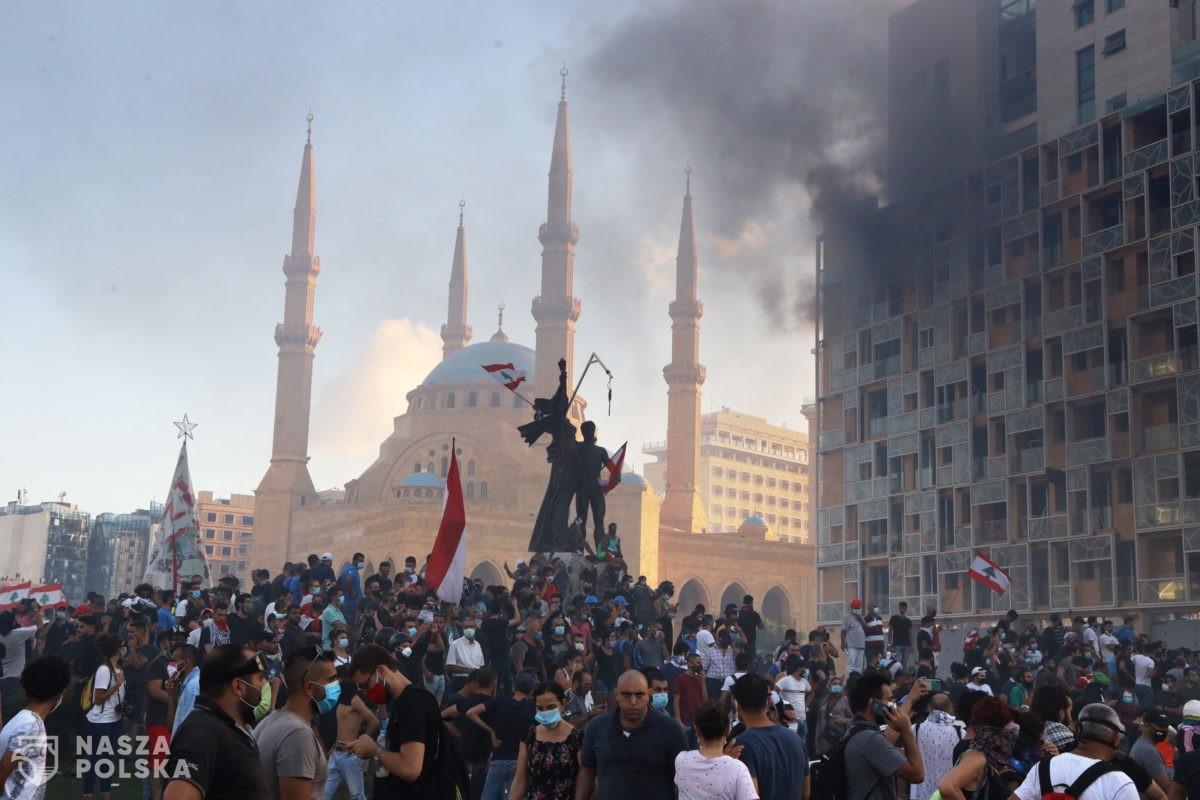 [DUŻO ZDJĘĆ] Bejrut znów płonie! Rewolucja na ulicach, są ofiary!