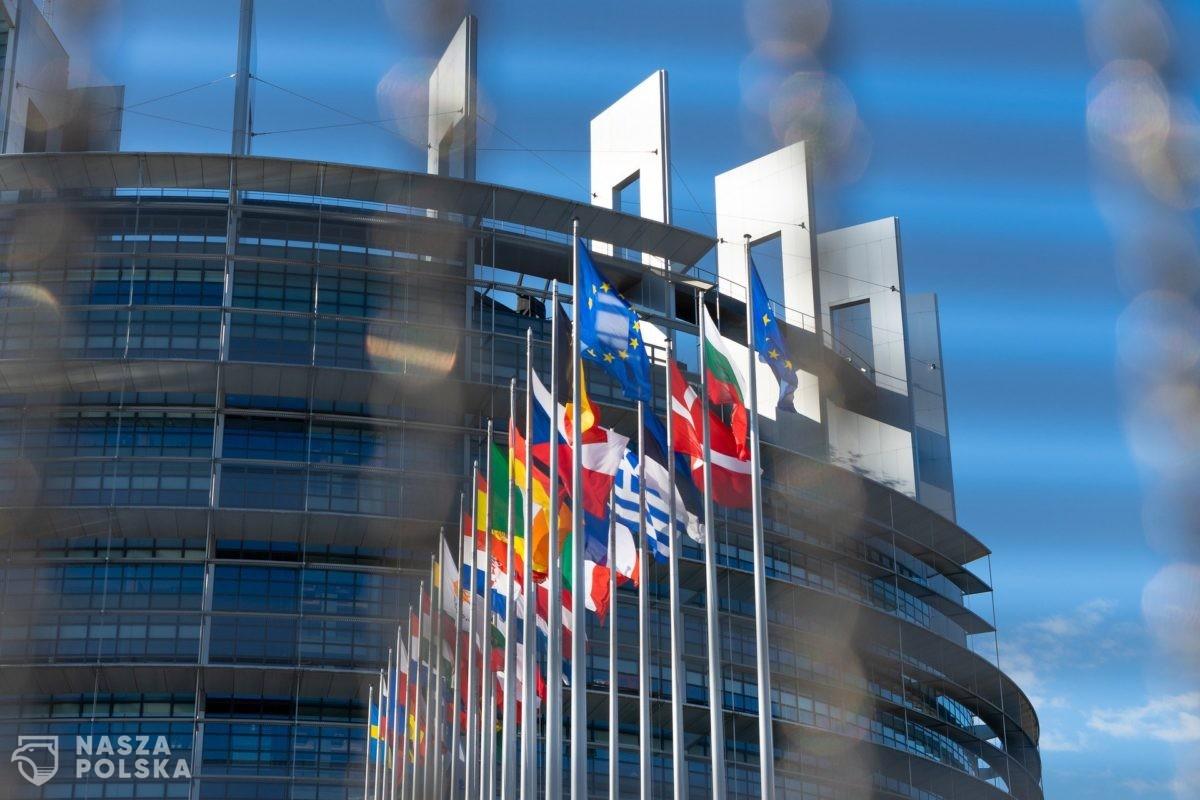 87% Polaków chce, żeby Polska pozostała członkiem Unii Europejskiej