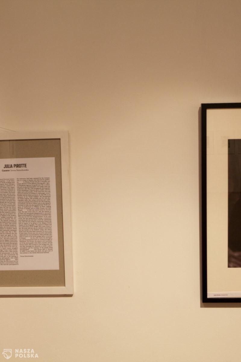 """Wernisaż wystawy """"Powtórzenia. Fotografie i archiwum Julii Pirotte"""" w FAF"""