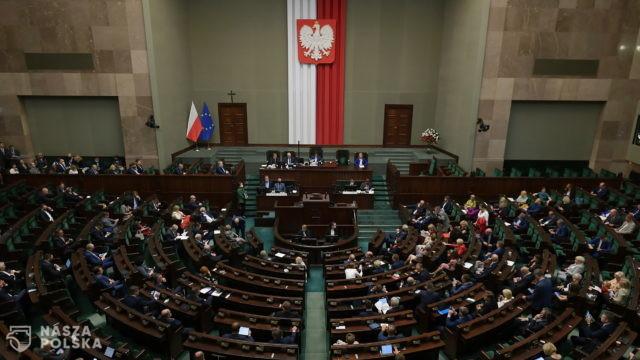 [SONDAŻ] Czy Polacy popierają rząd?