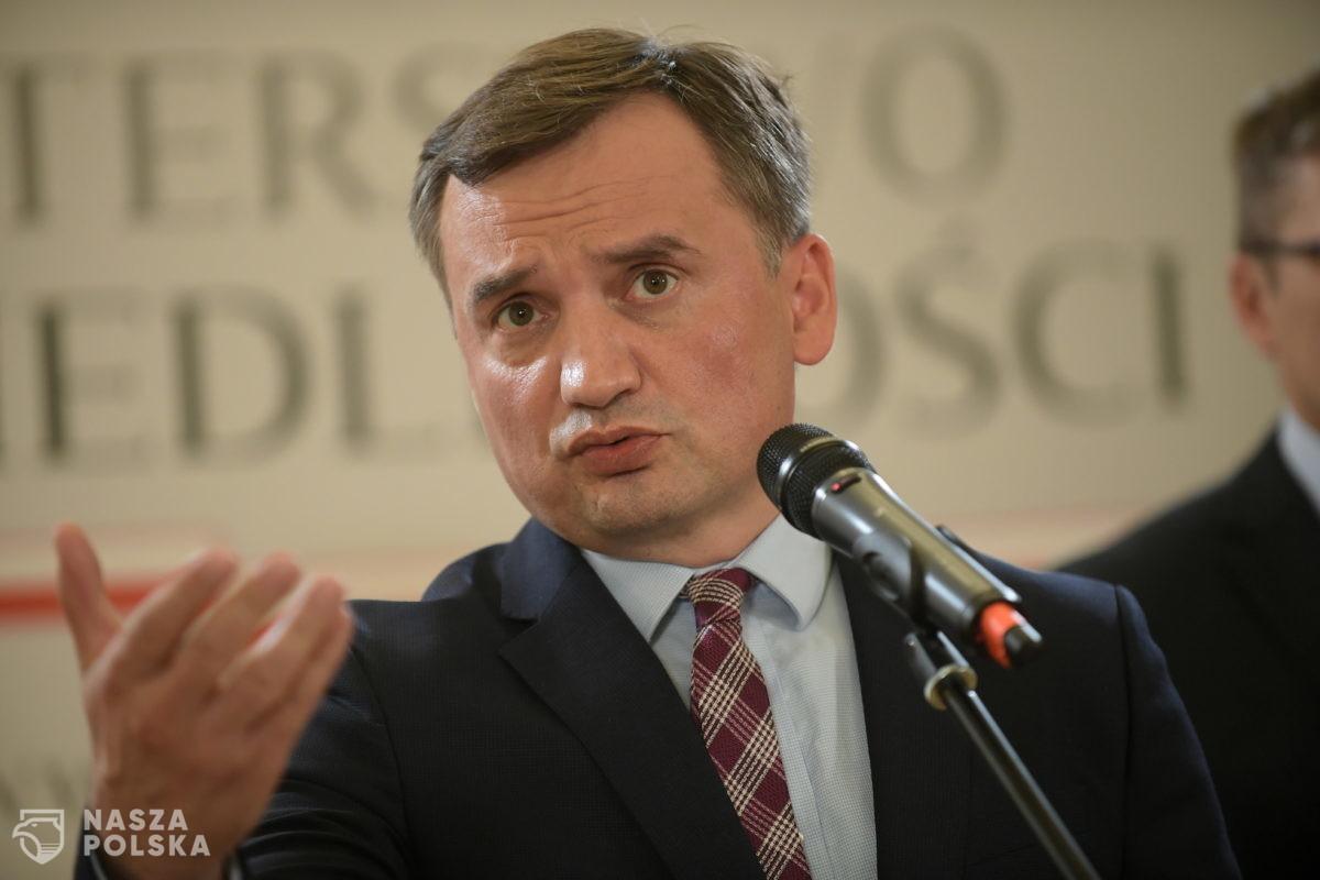 Ziobro: Polacy są mamieni rzekomi darmowymi pieniędzmi z UE