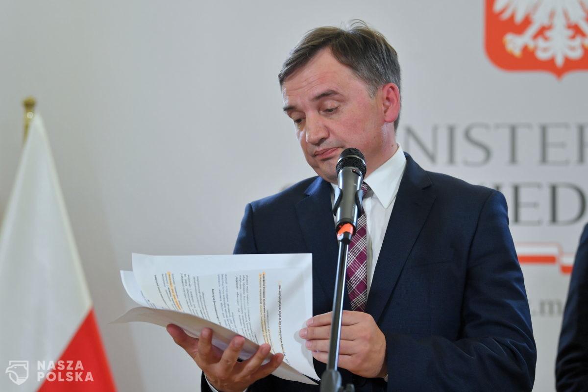 KO pomaga Kaczyńskiemu w negocjacjach z Ziobro? Chce jego odwołania