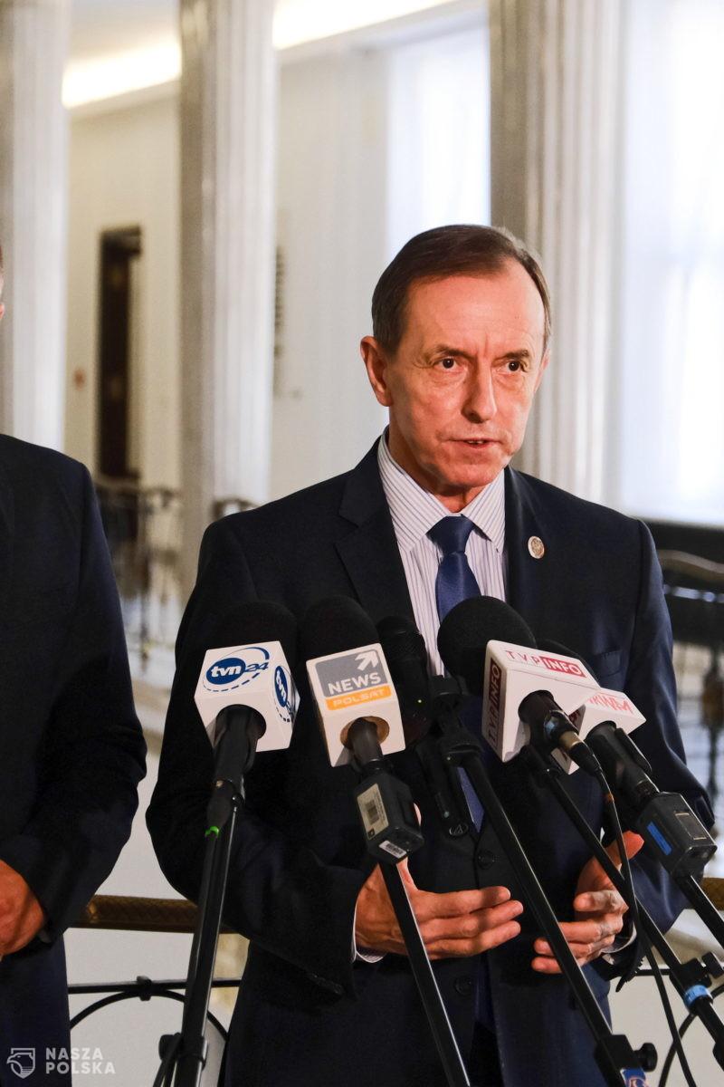 Prawie 100 funkcjonariuszy CBA przeprowadziło 23 rewizje w sprawie przeciwko marszałkowi Grodzkiemu