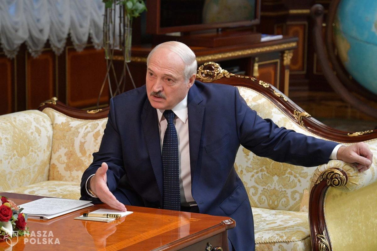 Łukaszenka: Duda zwyciężył w Polsce, fałszując wybory